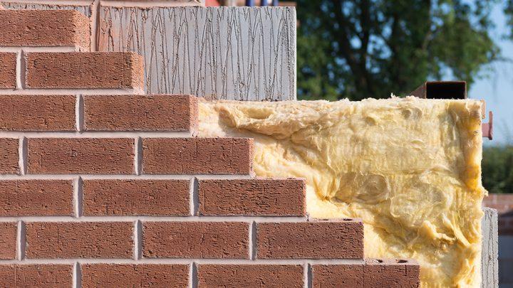 Har dit hus brug for hulmursisolering? Vælg den rette håndværker